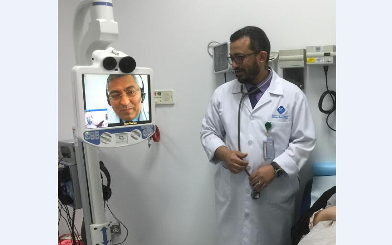 """""""صحة"""" تطلق المرحلة التجريبية من العلاج عن بعد وتعلن رقم الخط الساخن الخاص بها"""