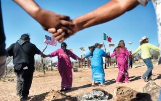 أبناء قبيلة «توهونو أودهام» مستعدون للقتال ضد جدار ترامـب