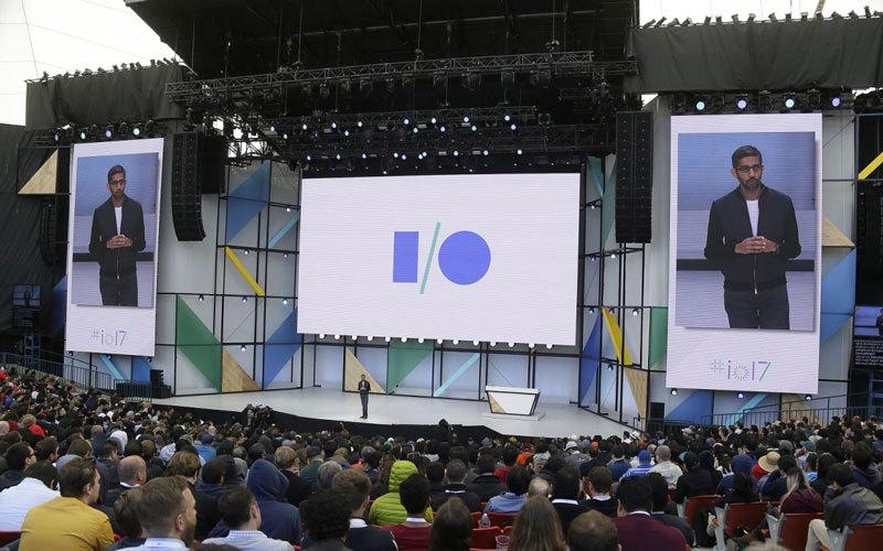 الصورة: «غوغل» تنتقل من «البحث» إلى تقديم منتجات الذكاء الاصـطناعي