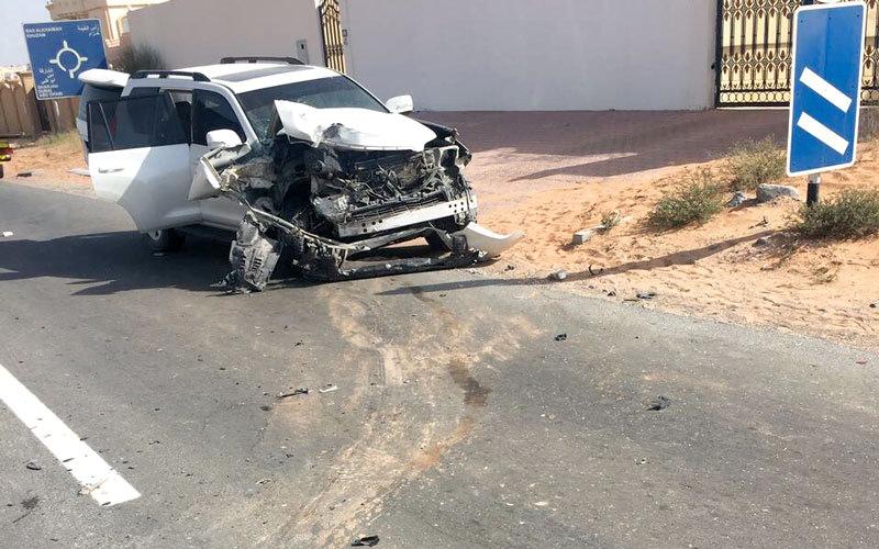 وفاة طفلة وإصابة شقيقتها إثر حادث تصادم مركبات في رأس الخيمة