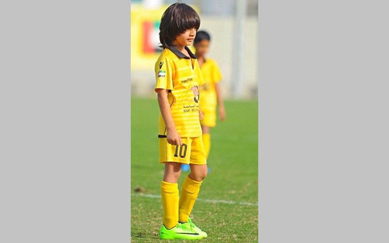 بالفيديو ..«ميسي الإمارات» طفل مطلوب للاحتراف في أوروبا