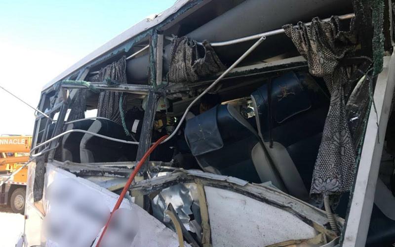 وفاة 7 وإصابة 35 شخصاً بتصادم بين حافلة وشاحنة في دبي