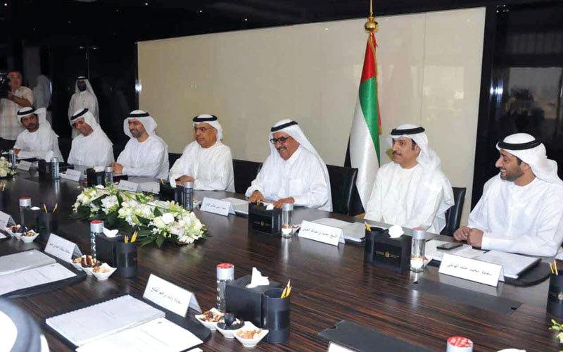 حمدان بن راشد: الإمارات تتبنى أفضل الممارسات في تطبيق الضرائب وتحصيلها إلكترونياً