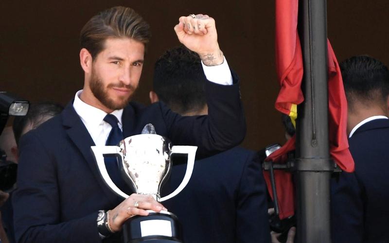 صحافة إسبانيا تنتقد غياب «كأس الليغا» في احتفالات البطل