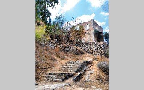 لفتا.. قرية مقدسية هجّرت إسرائيل سكانها وهوّدت بيوتها
